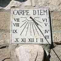 """""""Carpe diem"""", il mantra moderno di Orazio. Il bisogno di una pausa dagli affanni della quotidianità"""