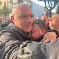 Cosenza ha due vincitori: il sindaco Franz Caruso e Francesco De Cicco, il rappresentante del popolo